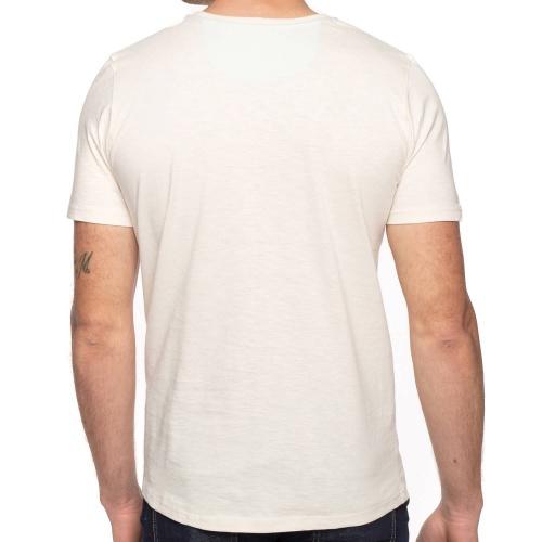 T-shirt paddle board